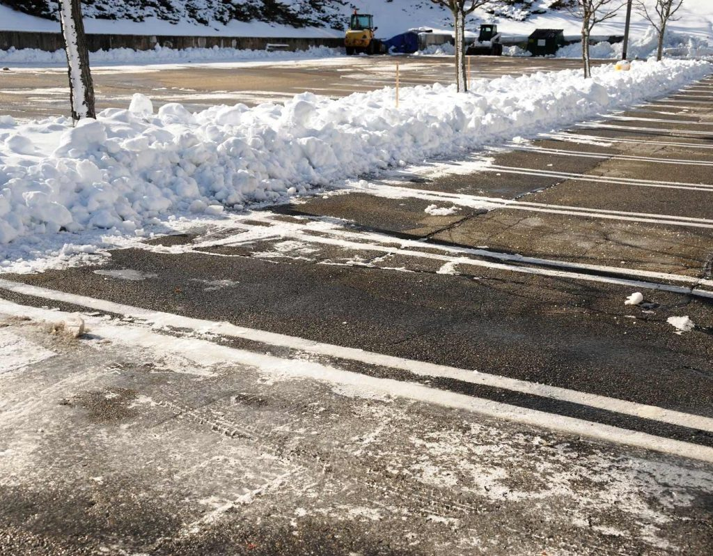 4 Most Common Mistakes with Parking Lot Salting
