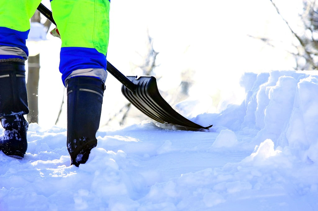 Top 5 Snow Removal Mistakes to Avoid by Commercial Property Owners