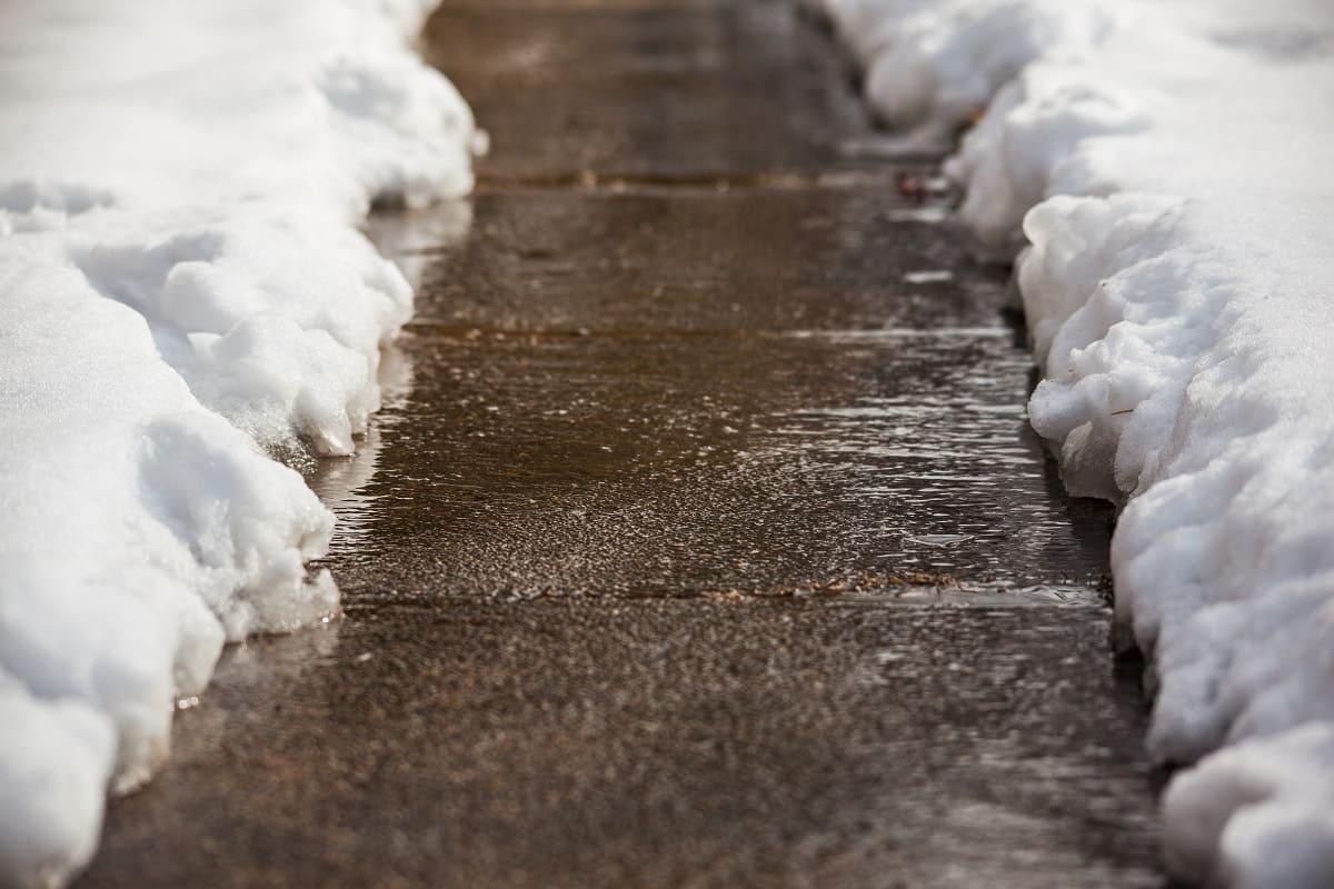 Salting Sidewalks in Winter - 6 Tips