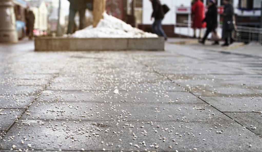 Calcium Chloride to Remove Snow