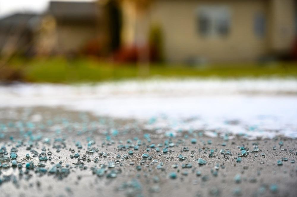 spread salt on driveway