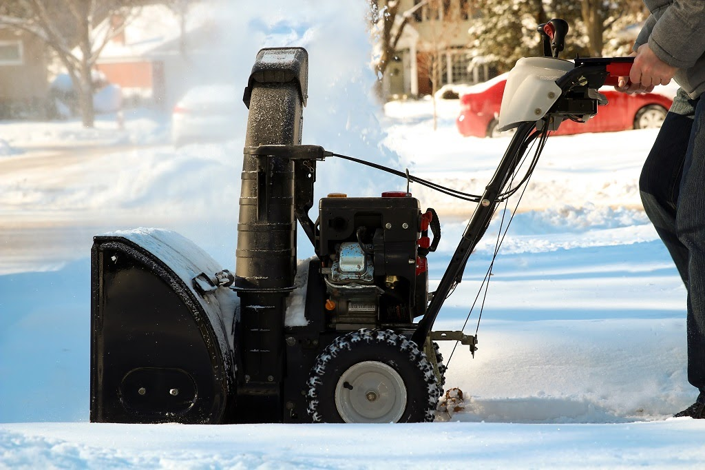 Earth Development follows five important principles that ensure every customer gets the most convenient service and snow removal results that mean customers and employees can safely access shops, offices, and other commercial residences.