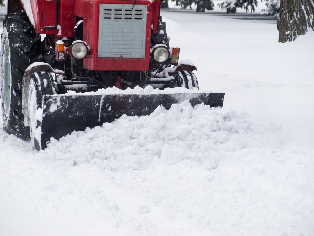 Earth Development is popular throughout Wisconsin for many reasons. We are a long-established and reputable snow removal company that takes the needs of our customers seriously. We do this in five ways: