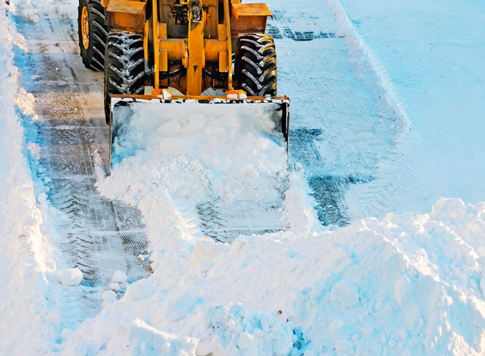Our company provides snow removal services for over two decades. We managed to hone and perfect snow plowing techniques to keep your business safe and productive during winter – and we have an astounding 98% customer retention rate to confirm it. What makes us one of the leading commercial snow removal companies?