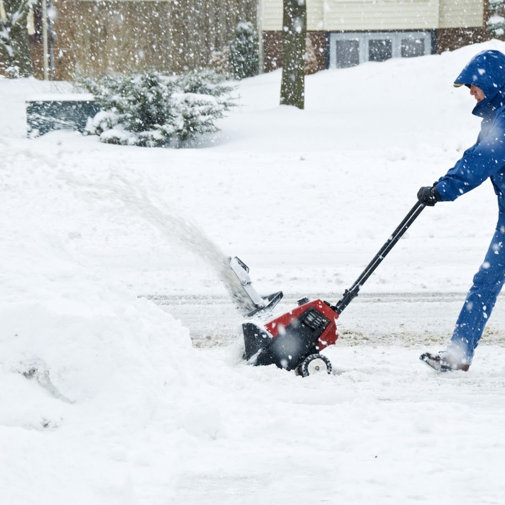 We think there are four reasons why you should choose our snow removal service in Dubuque, Iowa.