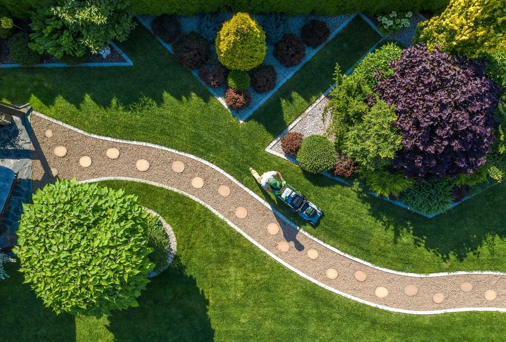 We strive to understand your unique landscaping needs and provide the best services to maintain your commercial outdoor property within your budget. With a strong track record and over 20 years of experience, our Sioux Falls clients rely on us to keep their property beautifully maintained.