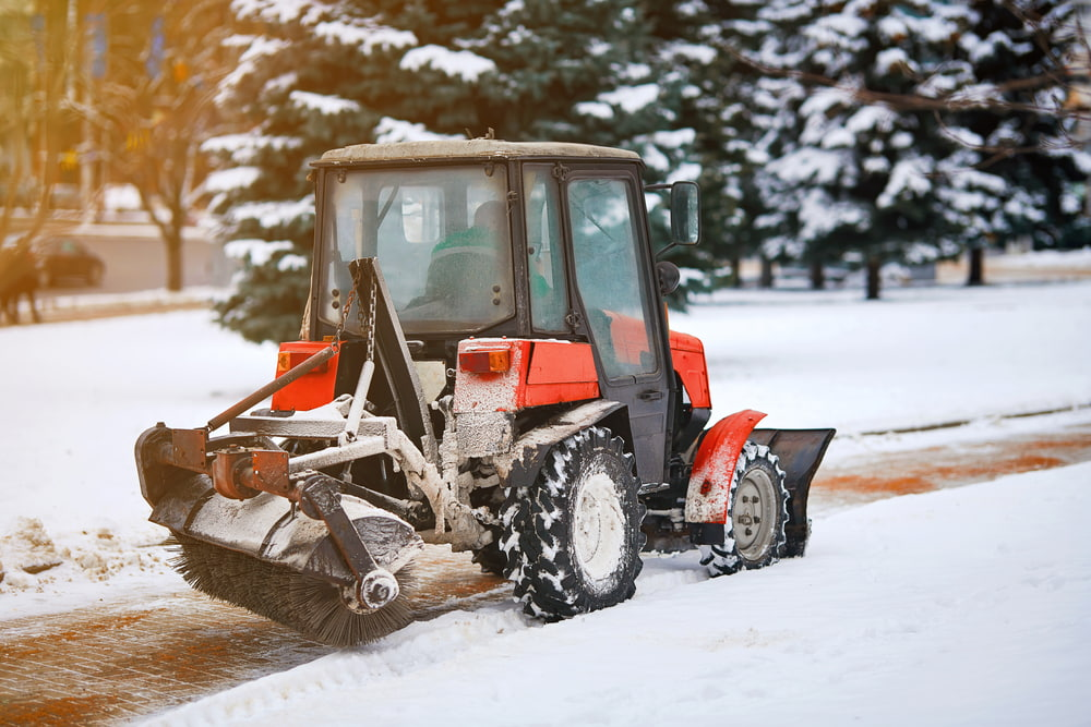 Commercial Snow Removal Tips for Property Managers In Minnesota
