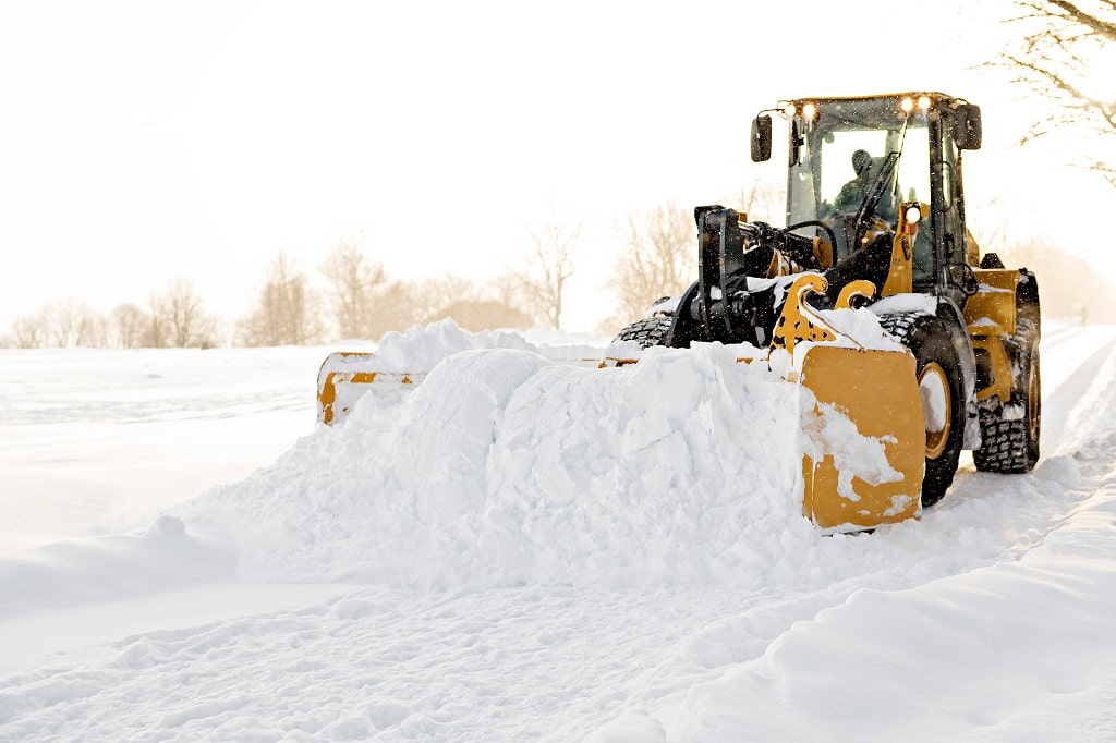 4 Steps to Estimate Your Commercial Snow Plowing Budget in Wisconsin 2021-2022