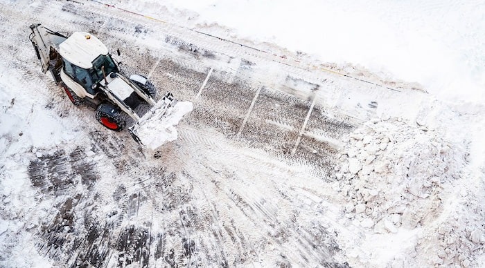 Common Mistakes When Hiring a Snow Plow Company In Ohio