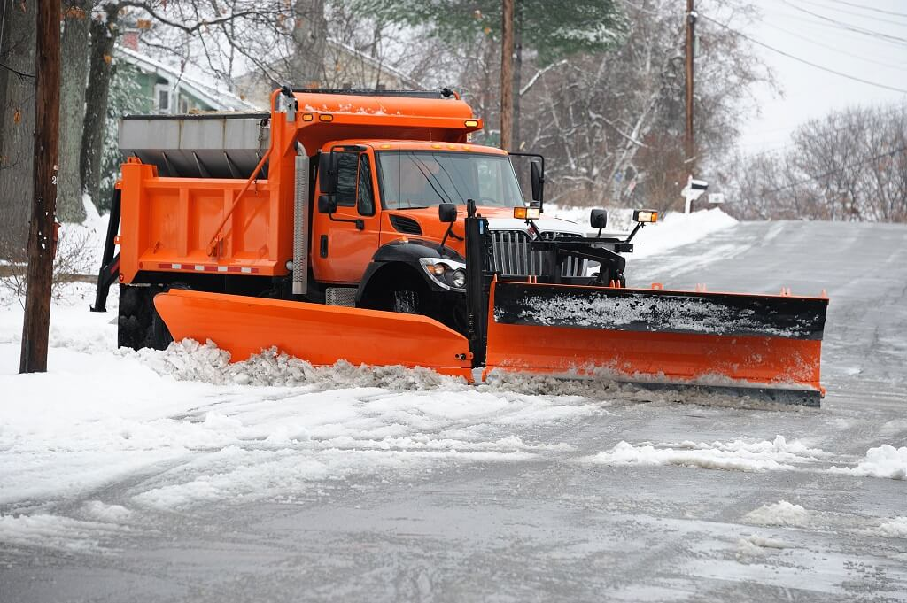 How to Estimate Commercial Snow Plowing Budget
