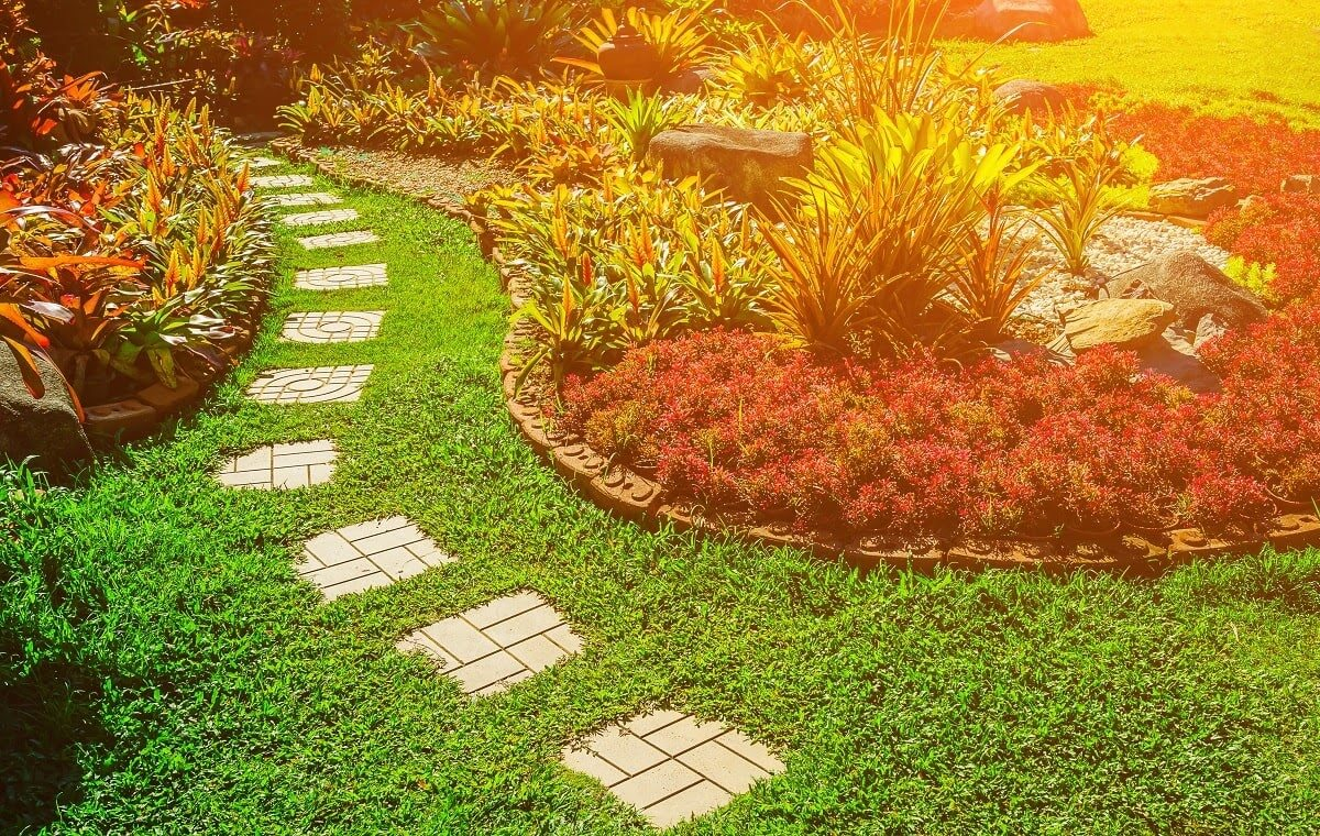 Clients say we're the best commercial landscaping operation in Oshkosh … and for a good reason! We utilize teams of local professionals with years of experience and a commitment to quality. We maintain your outdoor space whether you're a small business or a chain. Here's why our clients love us: