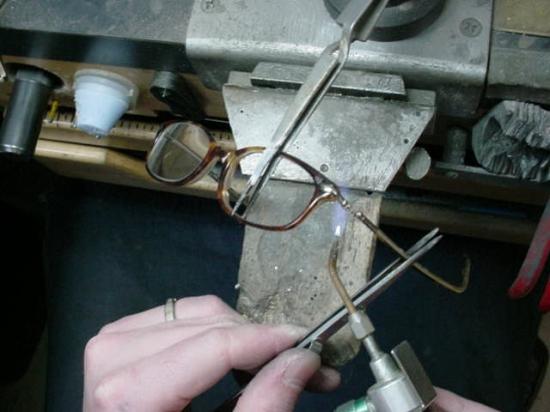 Eye Glasses Repair