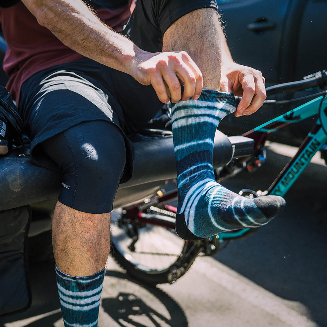 Dakine mountain biking socks resin, tie dye print pattern design