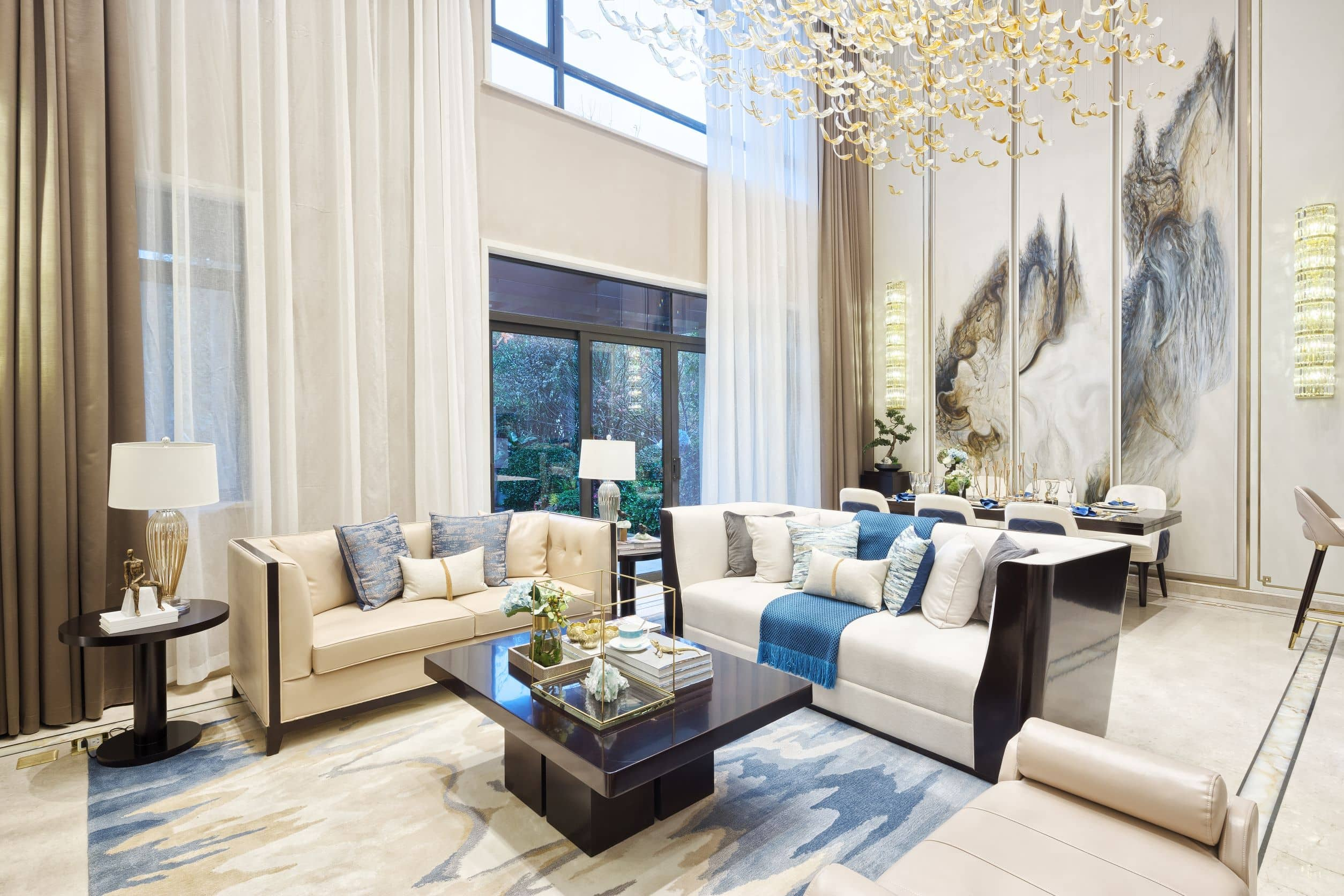 luxury houses for sale in Las Vegas with a pool