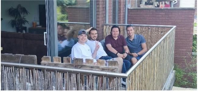 ベルギーの友人と(左から1番目がJulienさん)