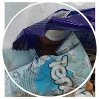 Bei unseren regelmäßigen CleanUps sammeln wir jede Menge Plastikmüll, vor allem Verpackungen.