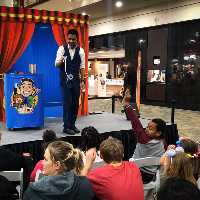 Magician for birthday parties.