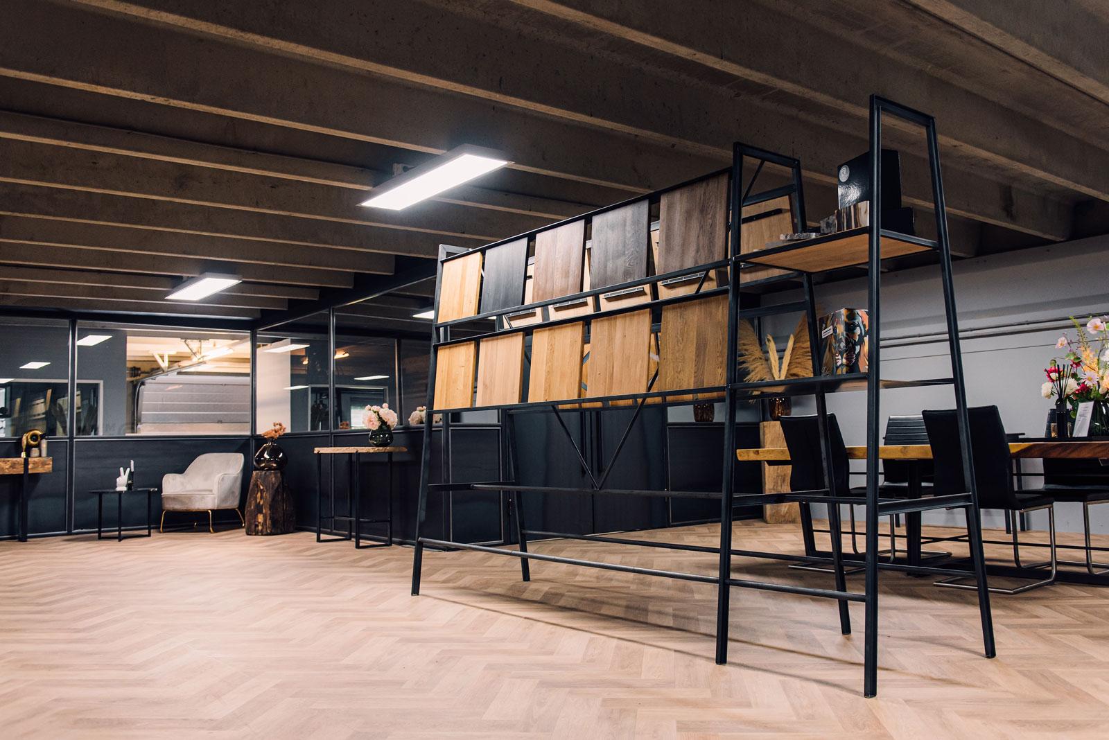 Showroom Houtstalen en stalen meubels DR Metal Design