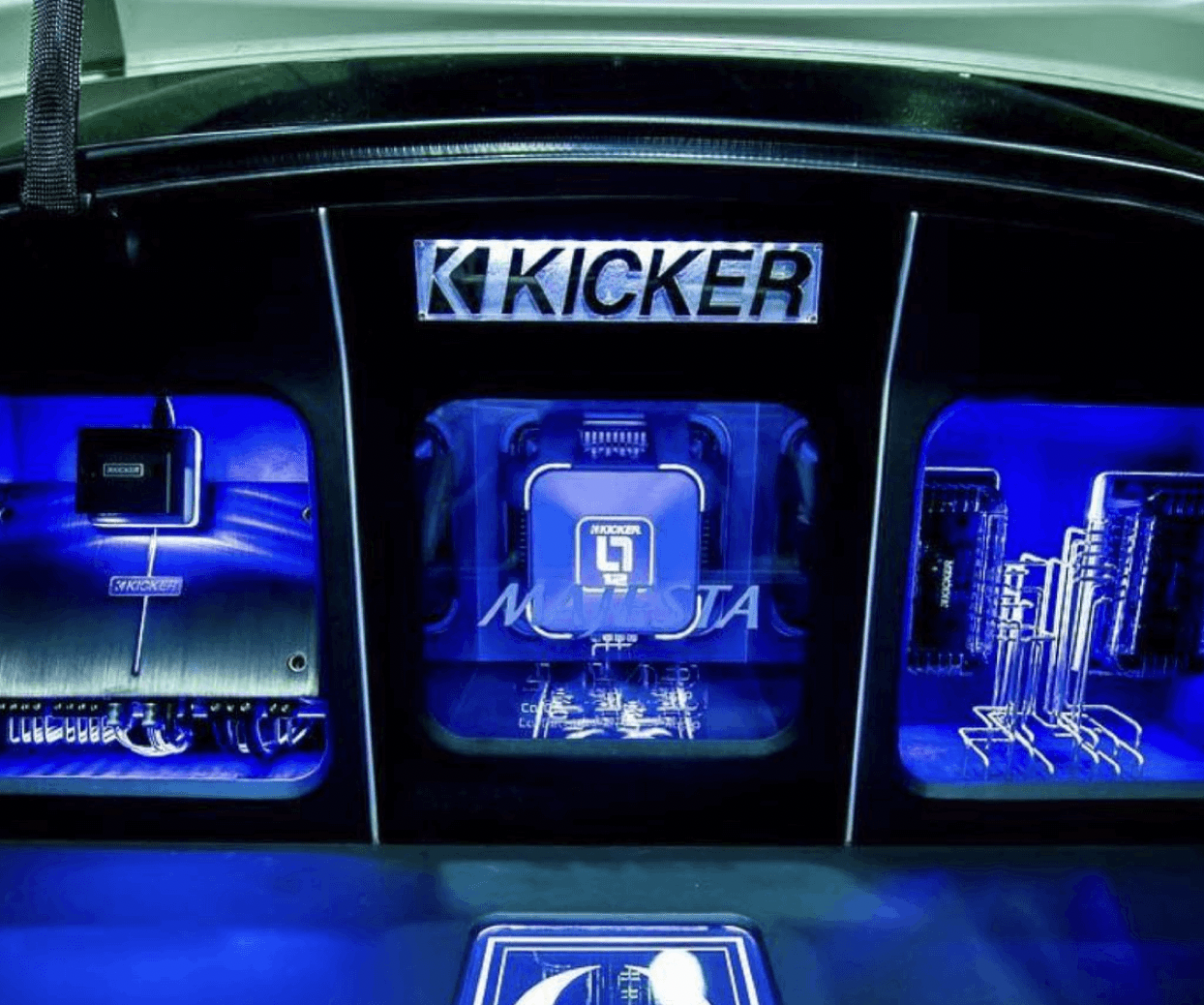 How Kicker grew their Instagram audience by 50% with Iconosquare's competitor analysis