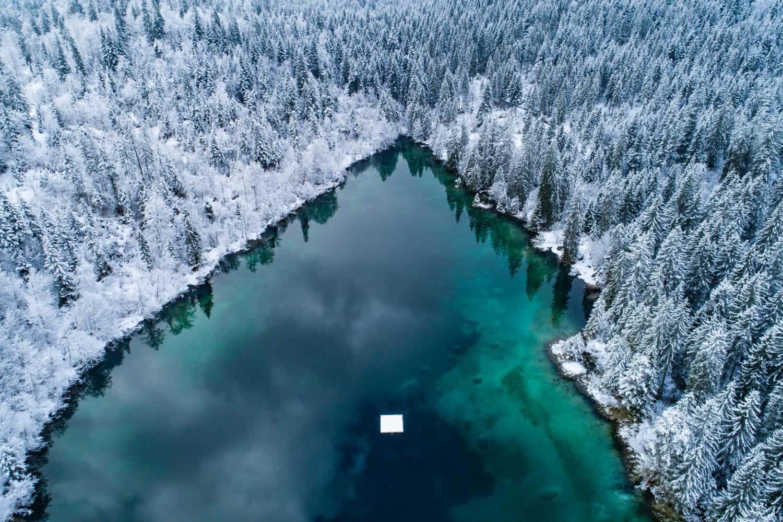 Crestasee mit Schnee
