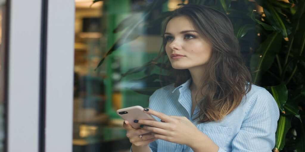 a benefit of digital marketing is that it caters for the mobile audience