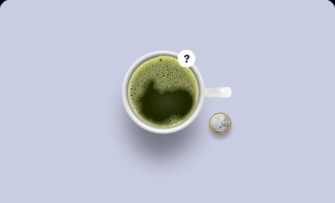 Ein Matcha Latte und eine Münze zur Darstellung des Enterprise Paketes