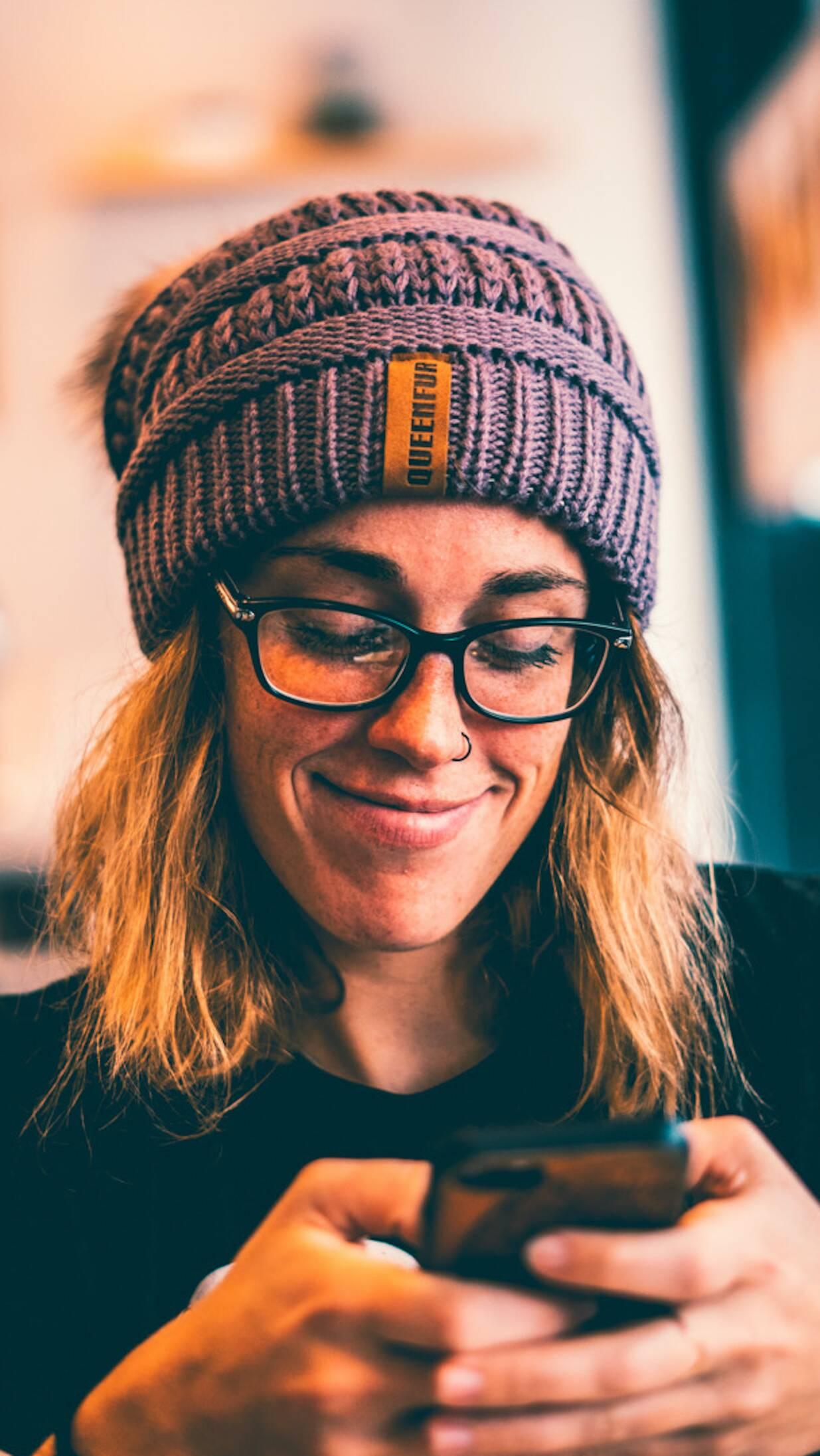 woman-looking-at-phone
