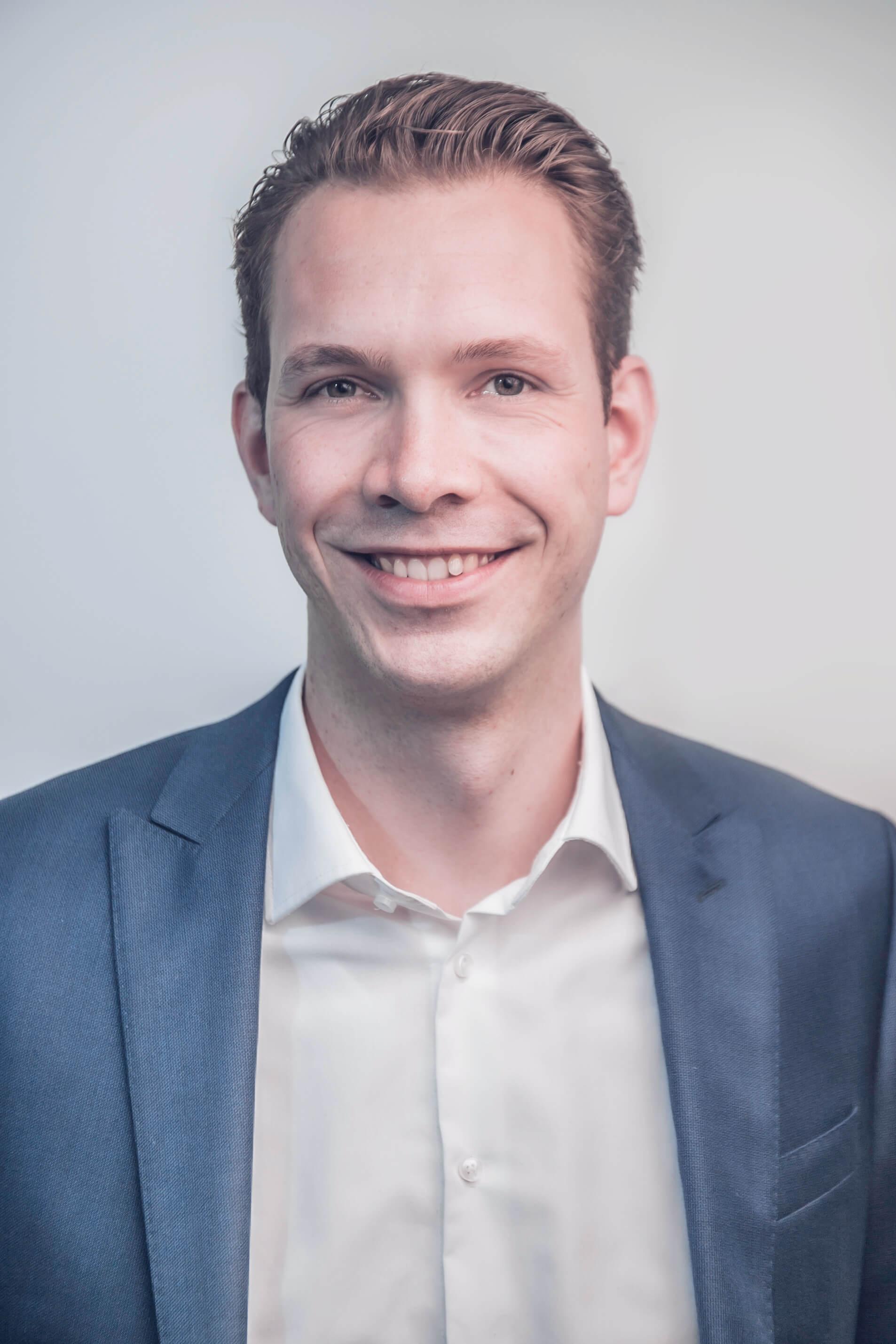 Dr. Simon Schachinger