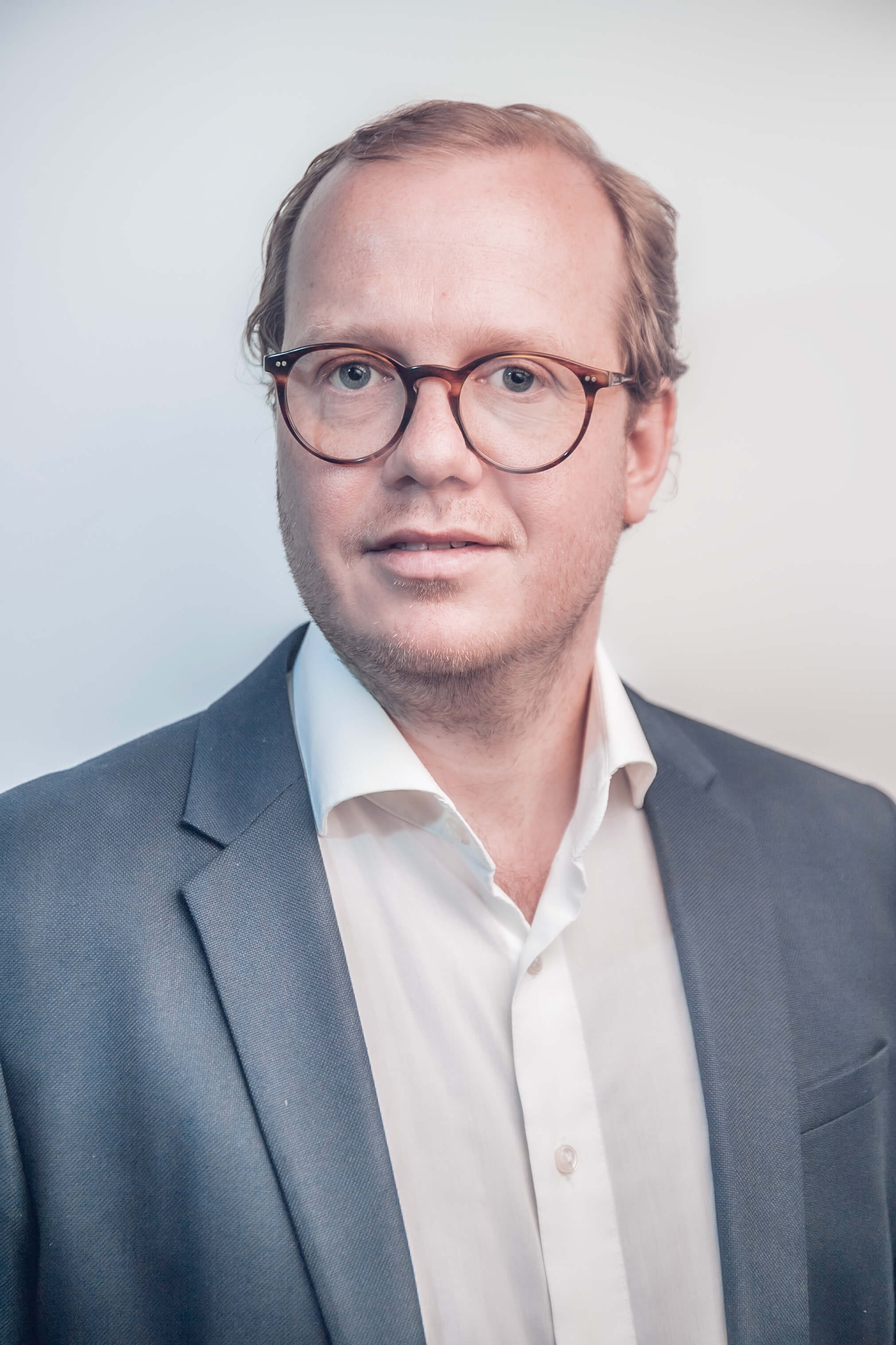 Dr. Christian Hillebrand