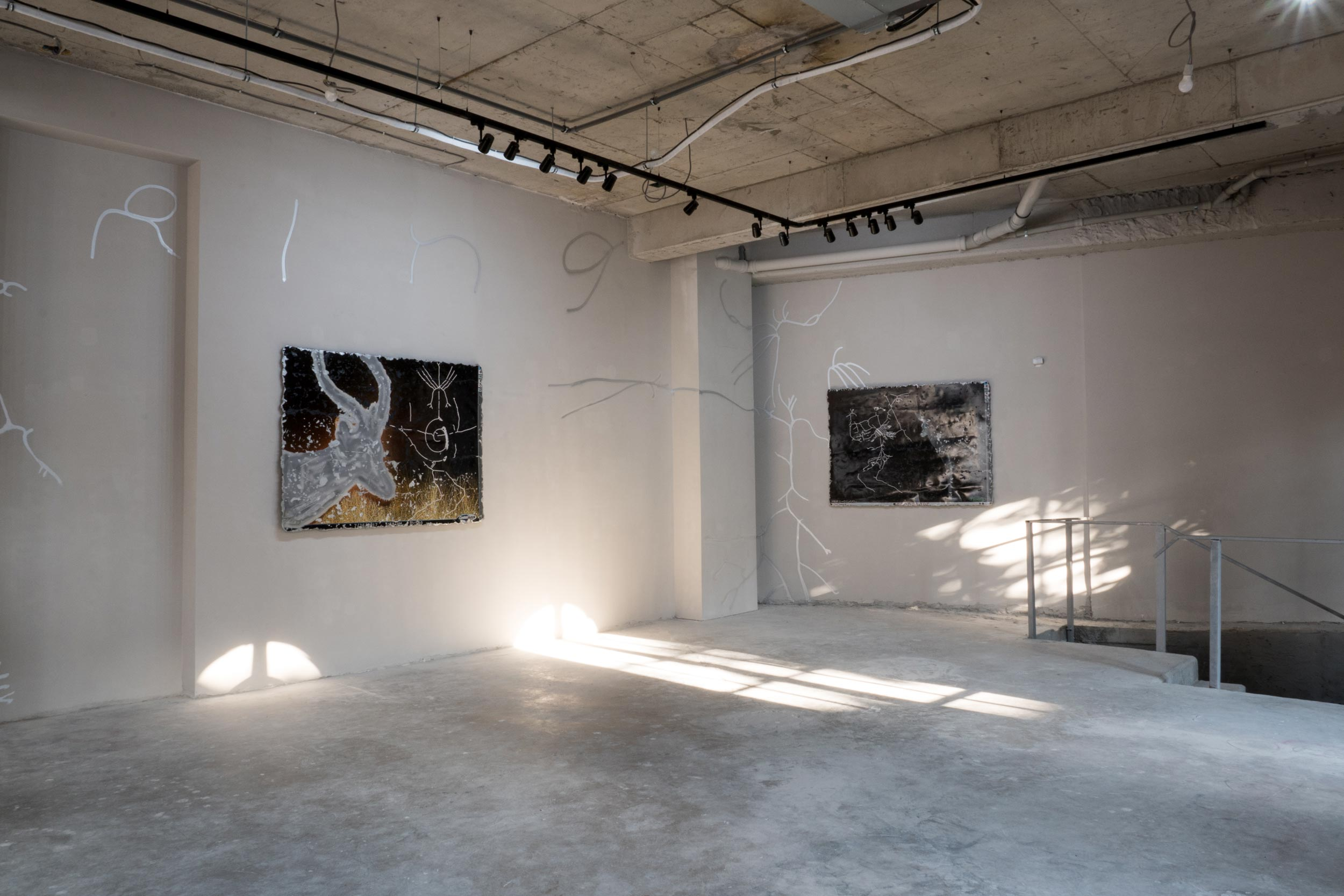 Katja Novitskova, Installation View 'Earthwares'
