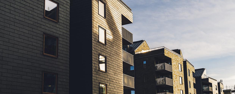 En närbild av ett hus fasad