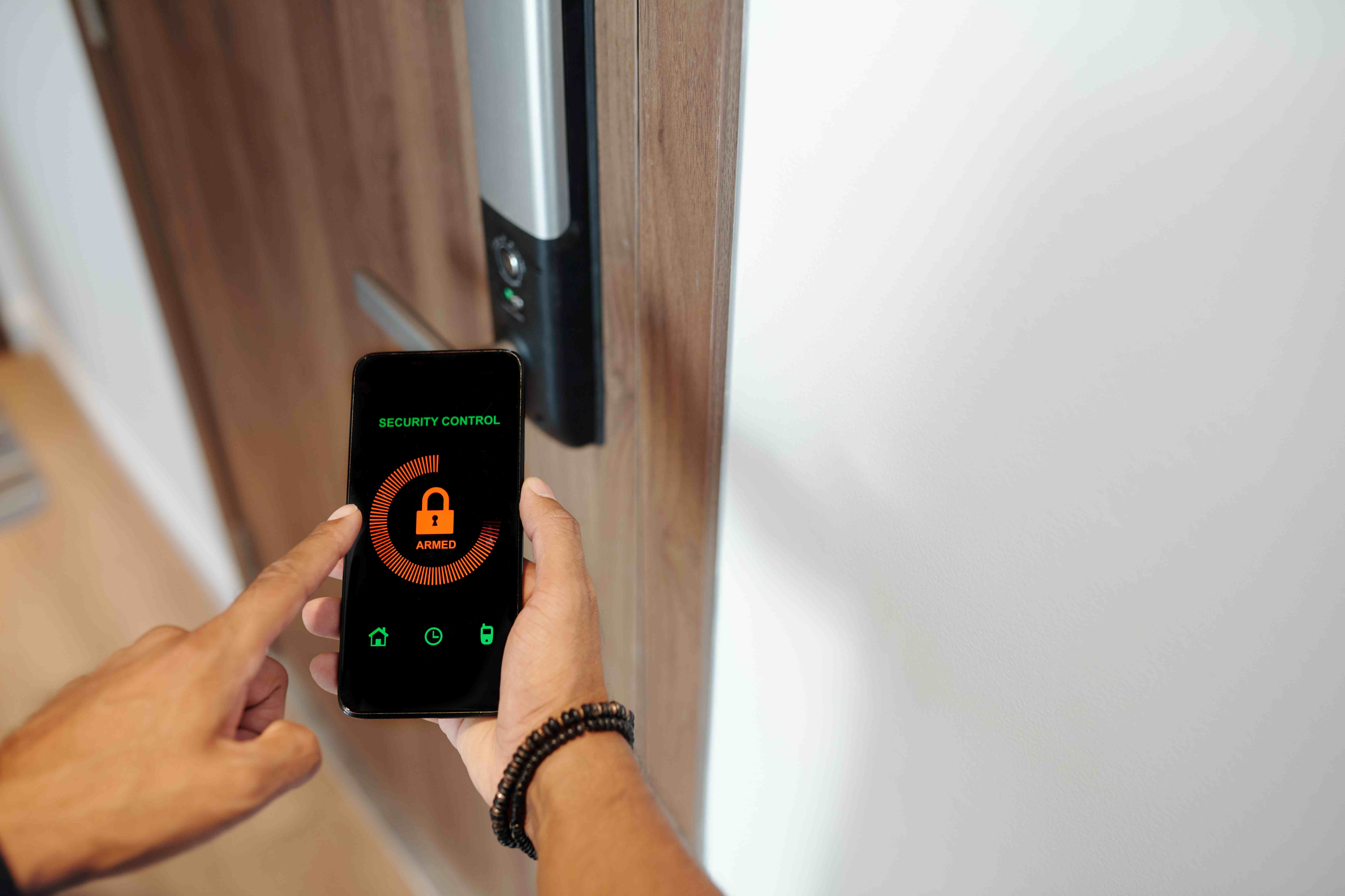 Person using Smart Lock on his phone