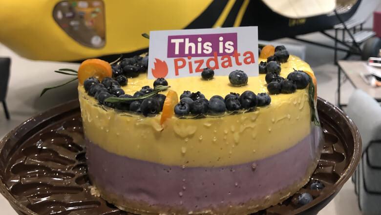pizdata_cake