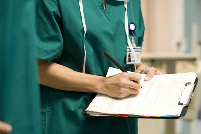 médecin-travaillent-études