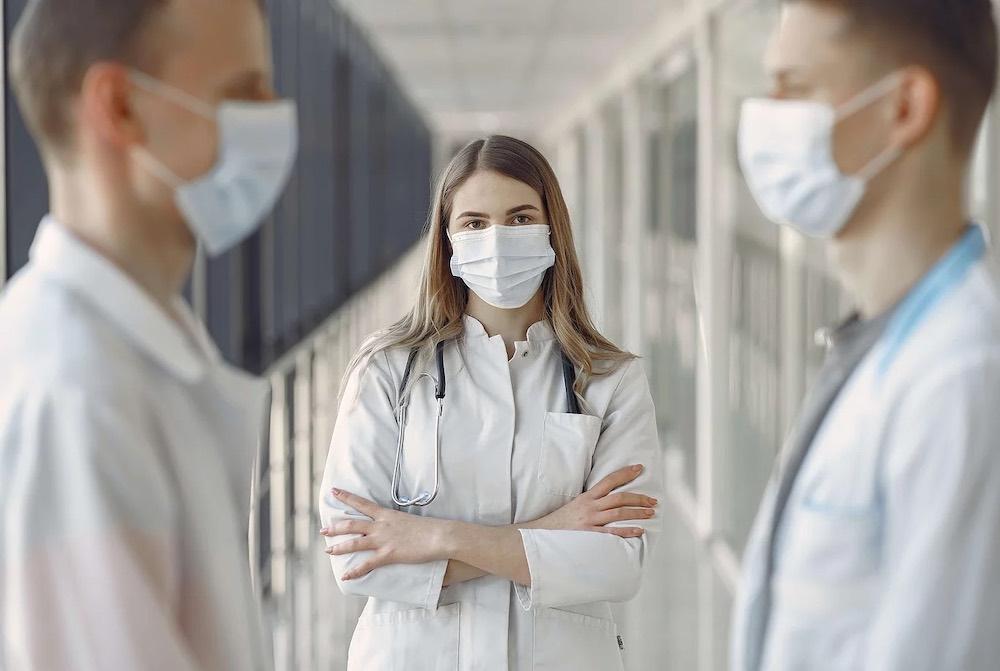 Fin du numerus clausus en études de médecine-masque chirurgicaux