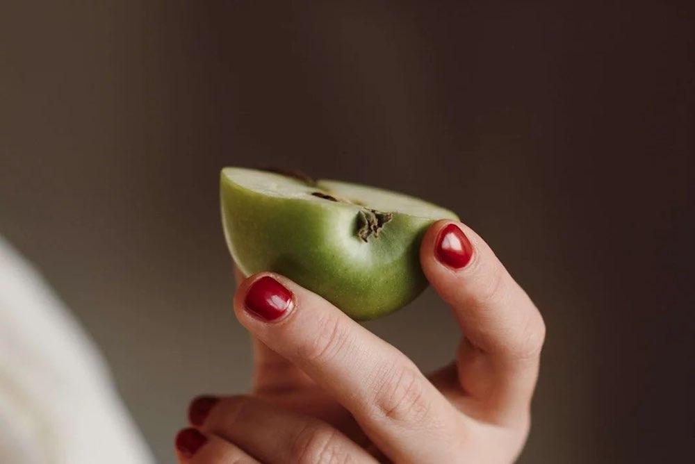 main-mange-pomme