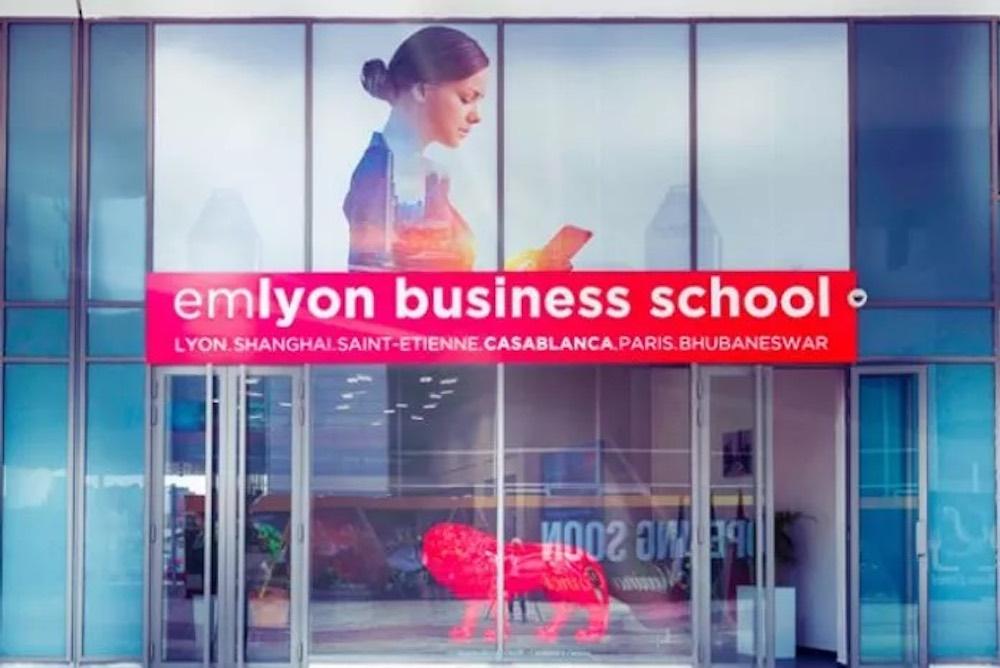 Le Global BBA proposé par emlyon business school, entre innovation et parcours d'excellence :
