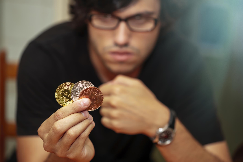 Low-risk bitcoin arbitrage platform