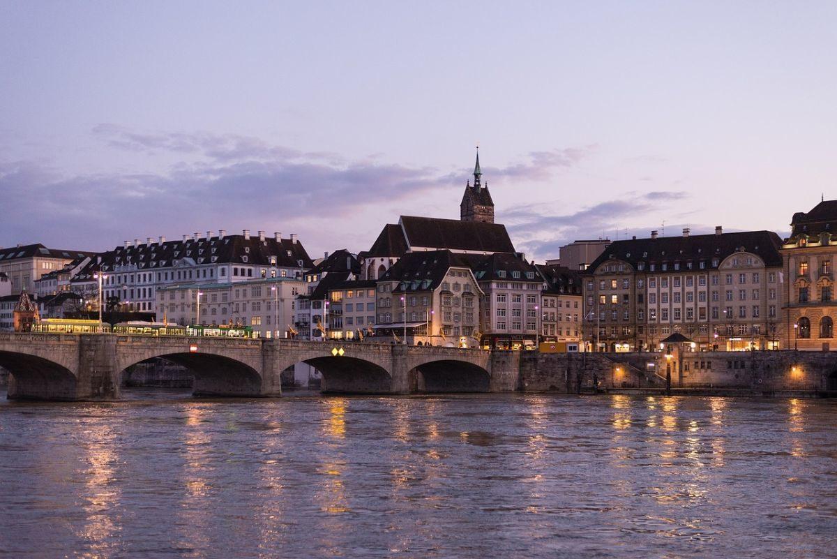Gewinnsteuern in Basel-Stadt auf 13 % gesenkt