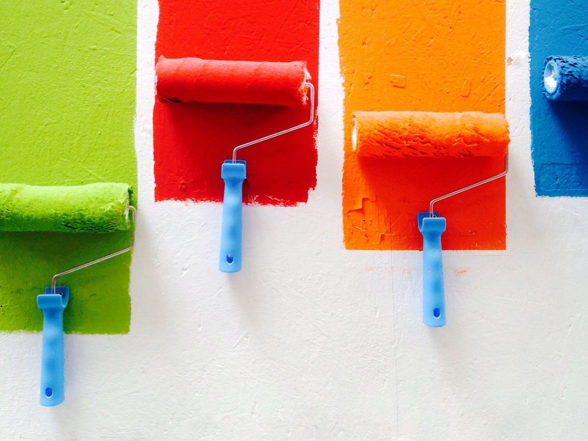 So bringst du Sommerfarben in dein Badezimmer