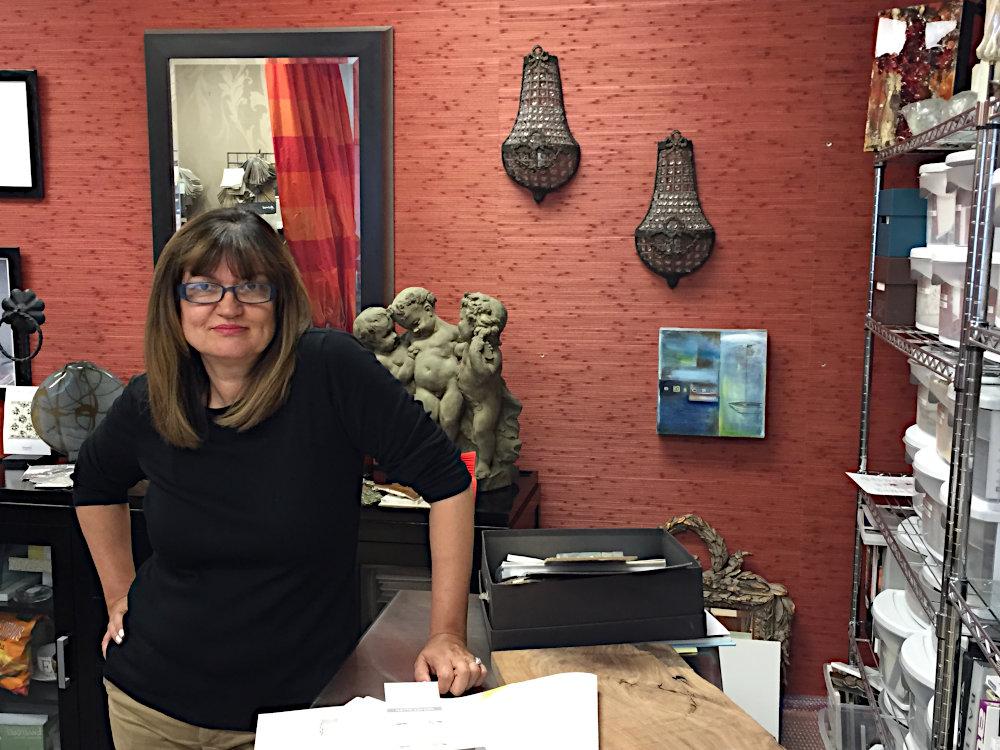edesignhome.com  interior designer Elizabeth in her office.