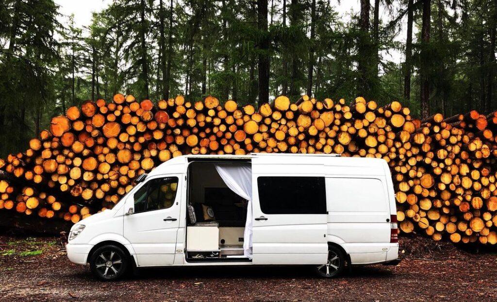 John and Emily's Hotel Style Mercedes Sprinter Van Conversion ebook