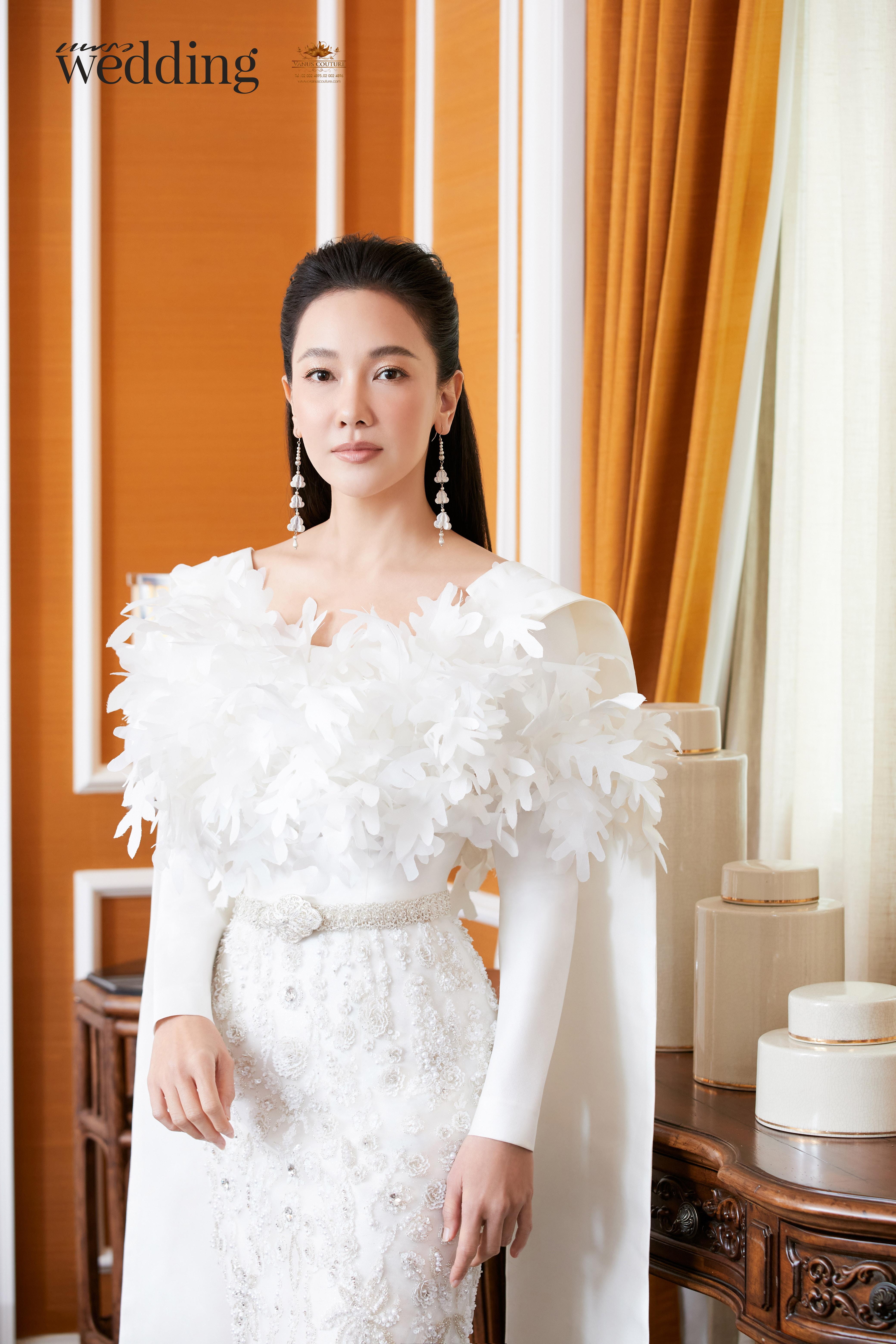 Thai traditional dress - Nune 02