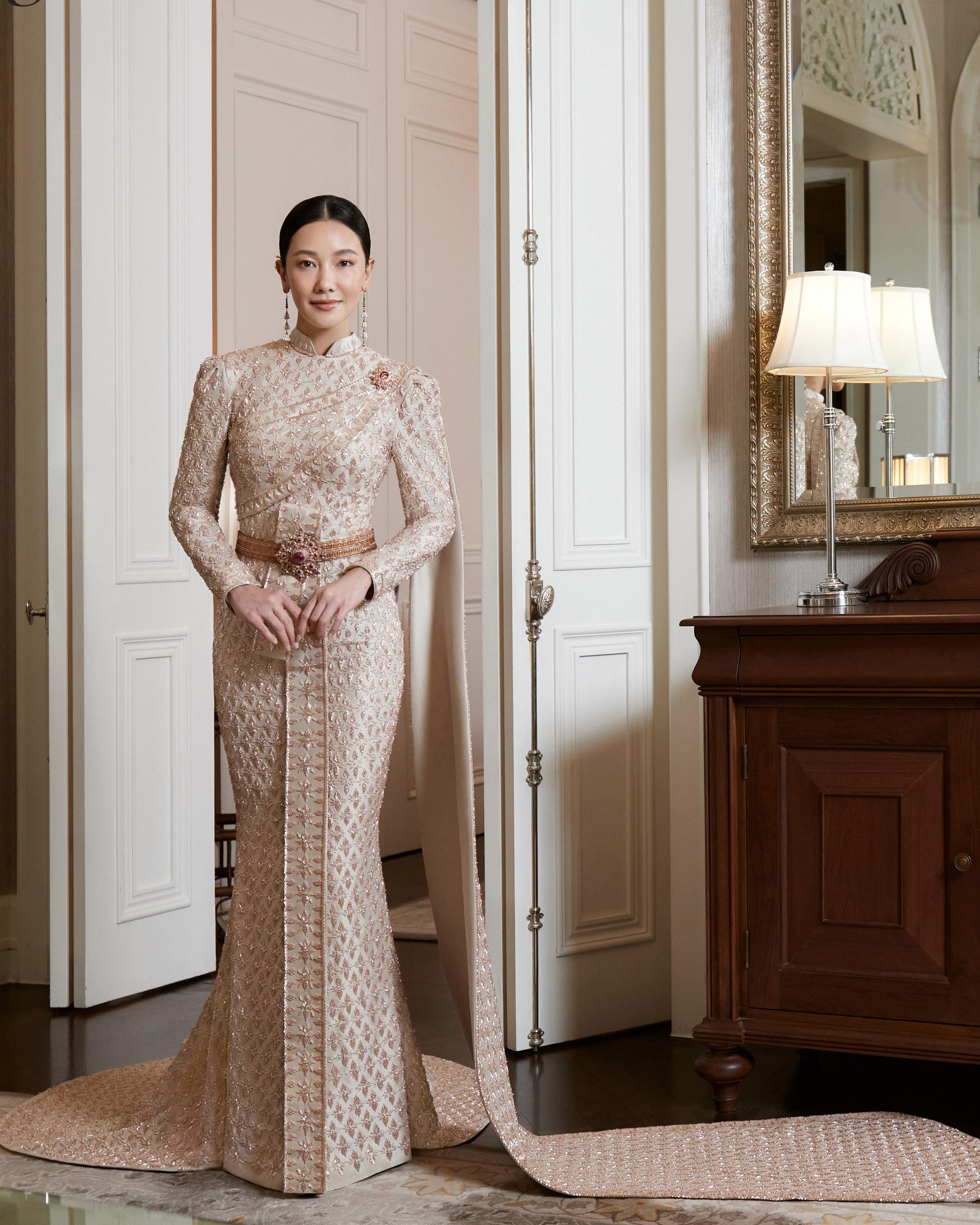 Thai traditional dress - Nune 07