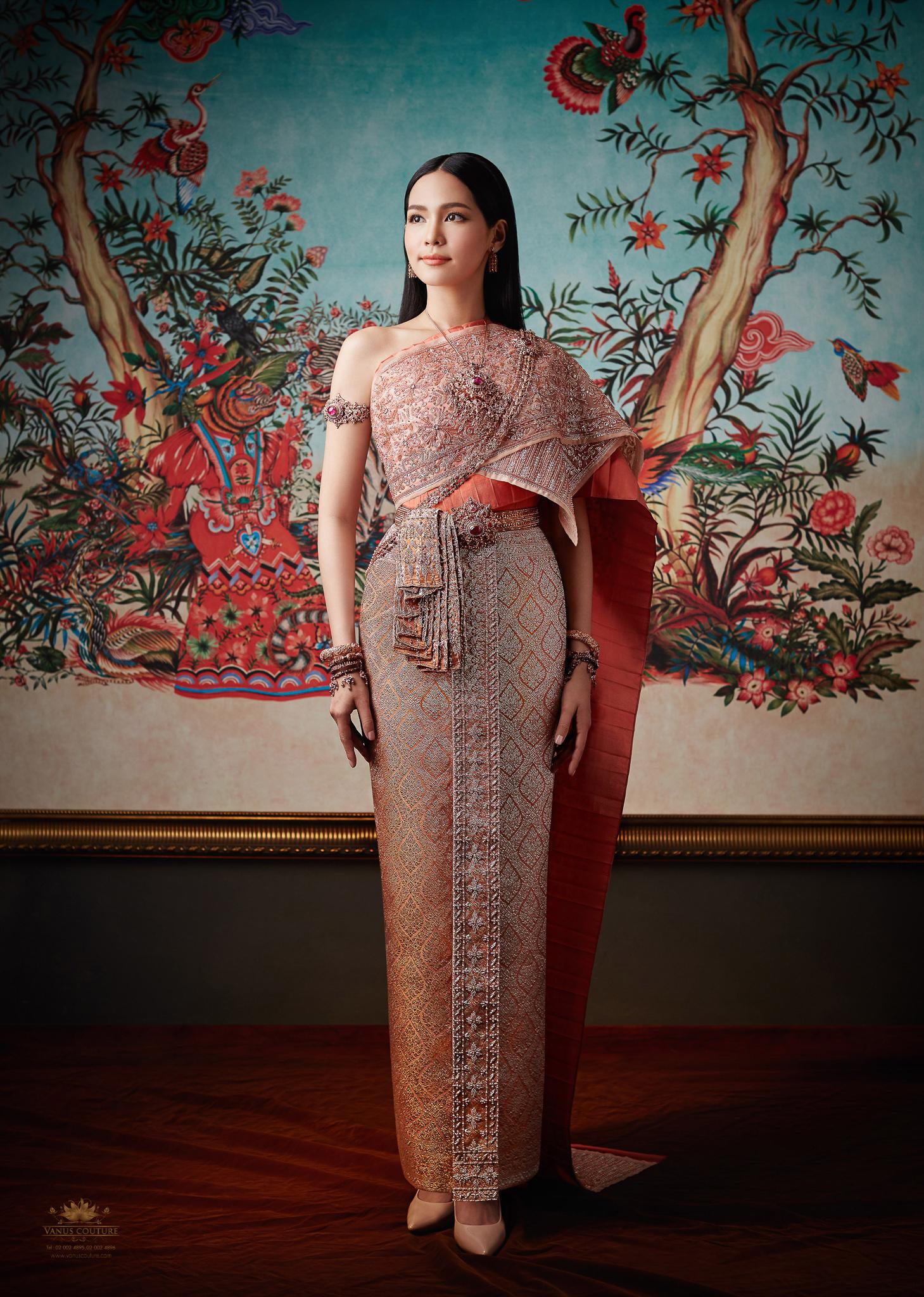 Thai traditional dress - Bint 03