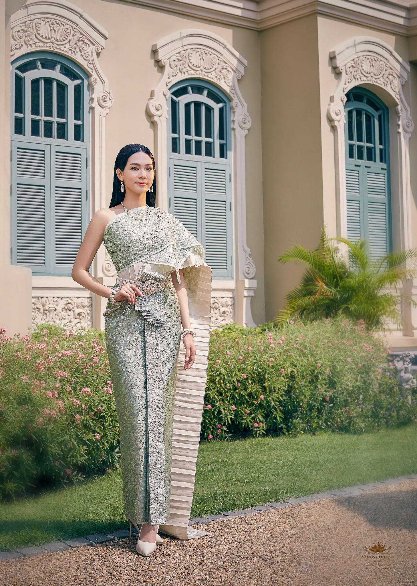 Thai traditional dress - Bint 02