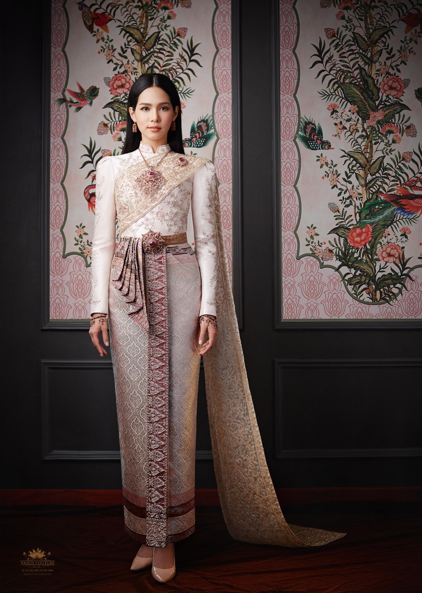 Thai traditional dress - Bint 04