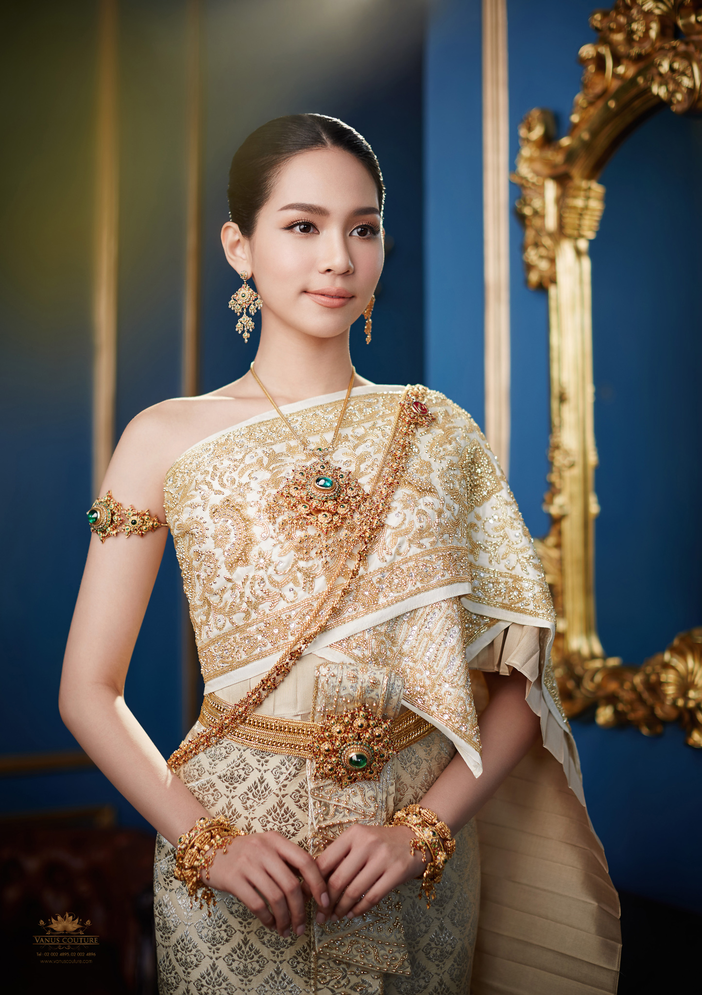Thai traditional dress - Bint 08