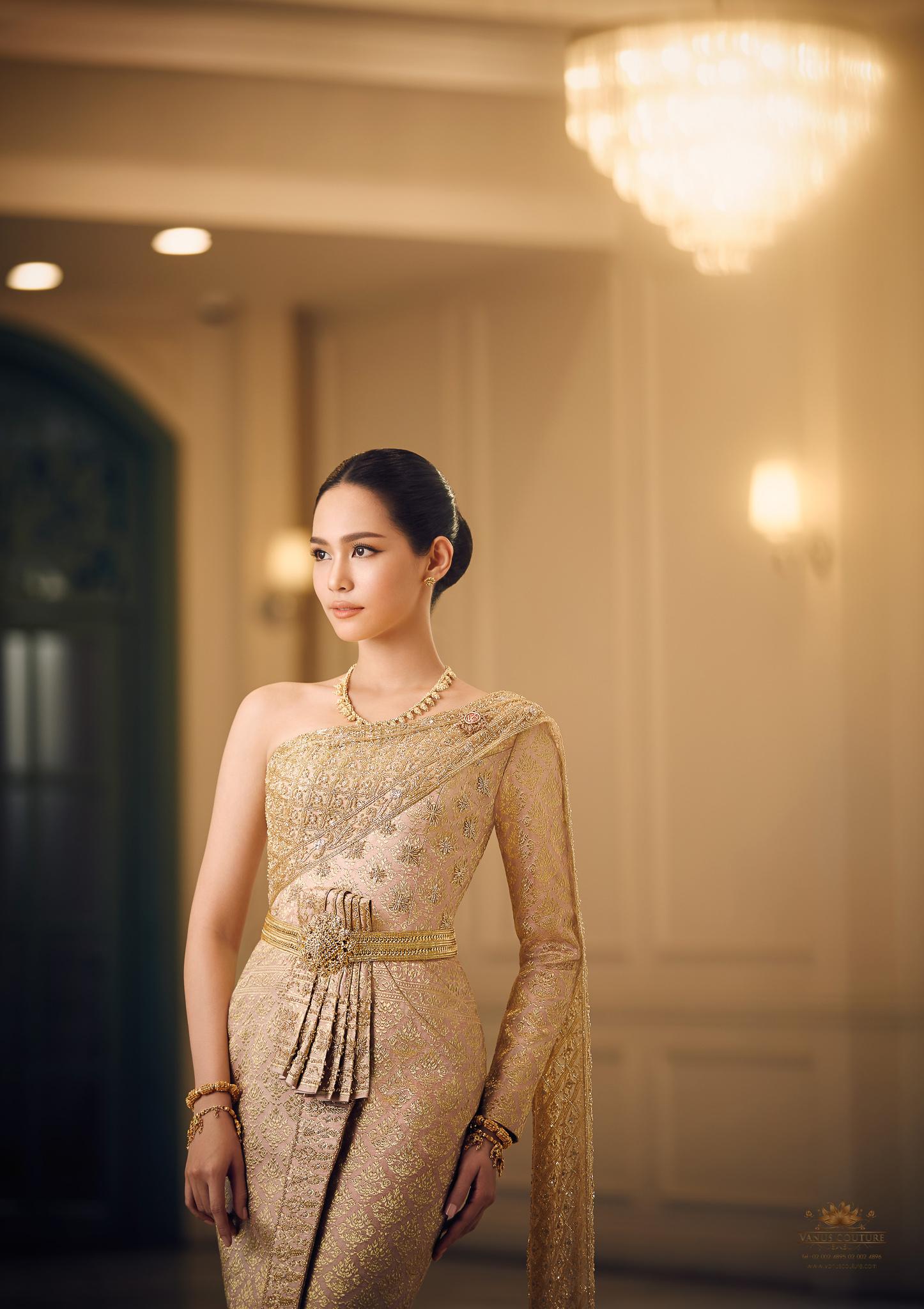 Thai traditional dress - Bint 09