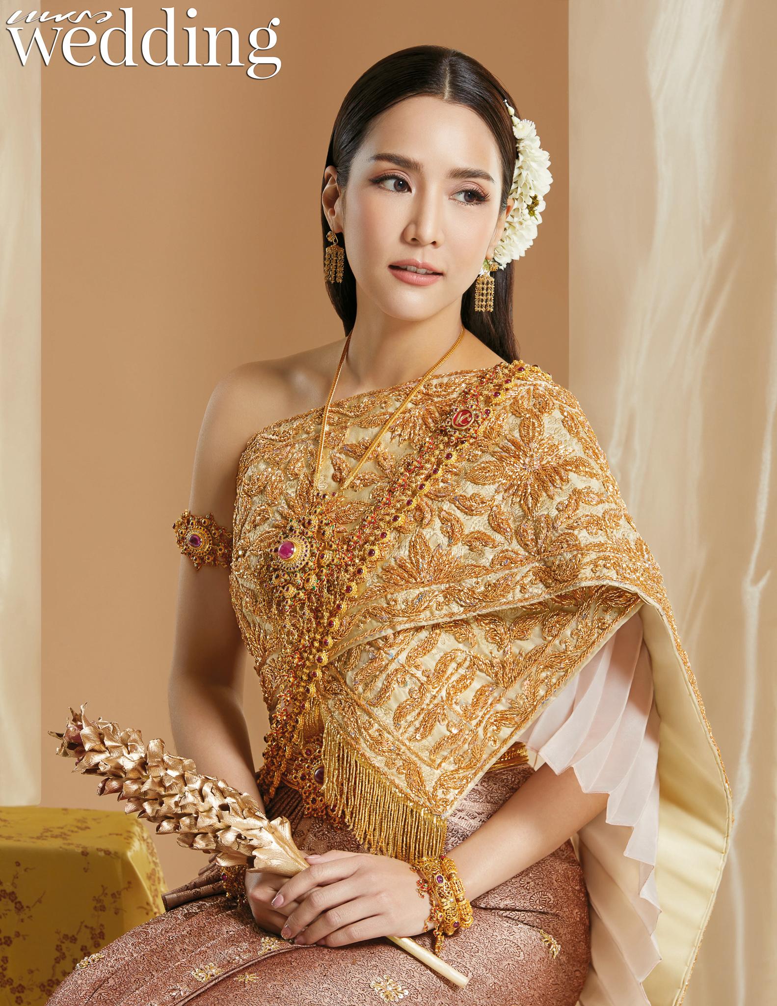 Thai traditional dress - Jakjaan 02